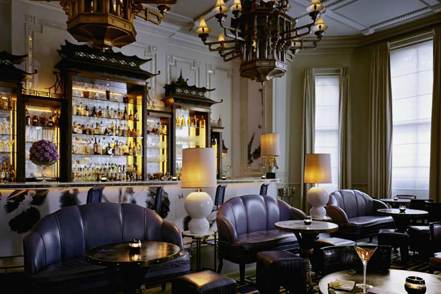 The Most Stunning Modern Sofas In Restaurant Interiors modern sofas The Most Stunning Modern Sofas In Restaurant Interiors The Most Stunning Modern Sofas In Restaurant Design Langham Hotel