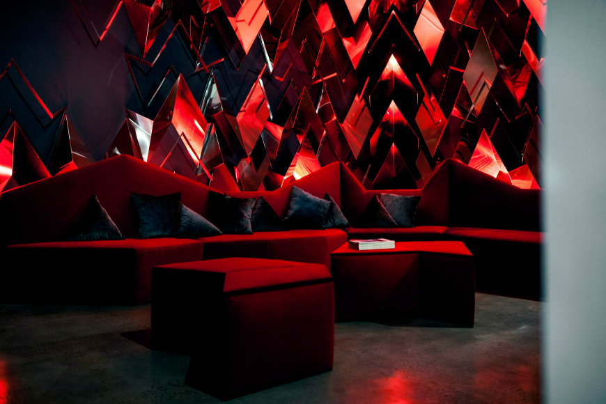 10 Ideas That Will Make You Fall In Love With A Red Couch
