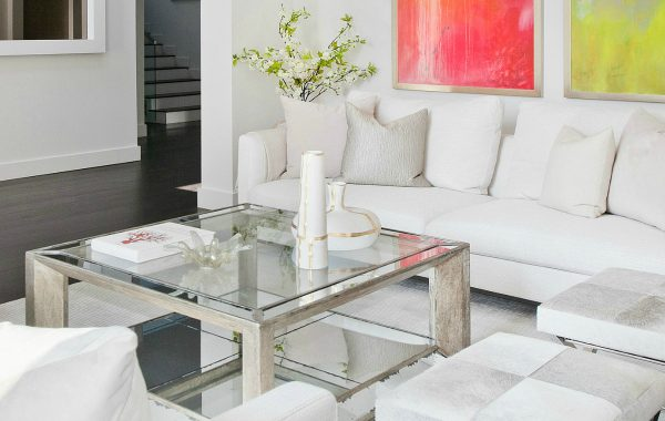 15 Ways How A White Sofa Can Transform Your Living Room Set white sofa 15 Ways How A White Sofa Can Transform Your Living Room Set 15 Ways How A White Sofa Can Transform Your Living Room Set 600x380
