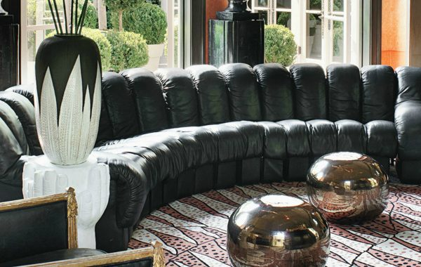 Remarkable Leather Sofas For A Stylish And Timeless Living Room Set leather sofas Remarkable Leather Sofas For A Stylish And Timeless Living Room Set Remarkable Leather Sofas For A Stylish And Timeless Living Room Set 2 1 600x380