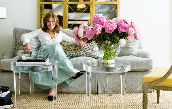 The Most Beautiful Modern Sofas In Suzanne Kasler Interiors modern sofas The Most Beautiful Modern Sofas In Suzanne Kasler Interiors The Most Beautiful Modern Sofas In Suzanne Kasler Interiors 600x380