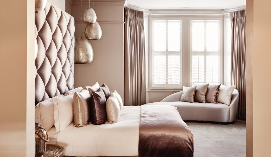 10 Ways How A Bedroom Sofa Will Spruce Up Your Space