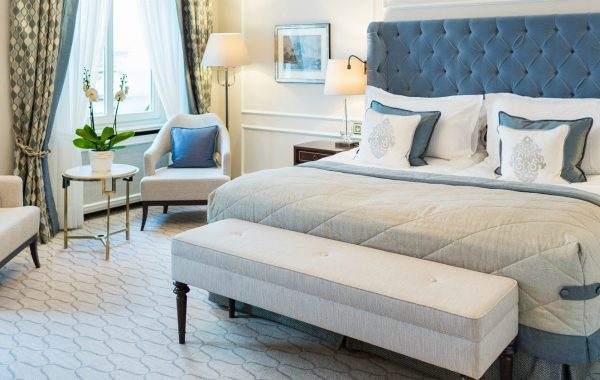 7 Decorating Tips For Putting Modern Sofas In A Bedroom