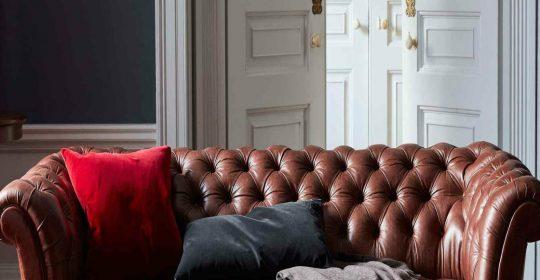 Modern Sofa Design Furniture with Fabric or Leather Sofa?