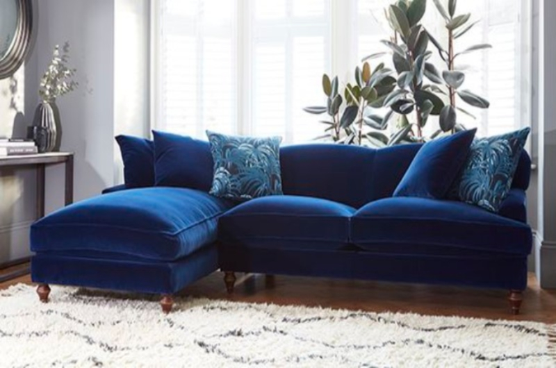 Velvet Sofas to Magnified Your Living Room Decor velvet sofas Velvet Sofas to Magnified Your Living Room Decor Velvet Sofas to Magnified Your Living Room Decor