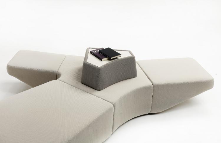 karim rashid Karim Rashid: Pluralism Meets Creative Design Karim Rashid Pluralism Meets Creative Design 1